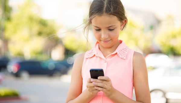 Tips For Getting Your Tween A Cell Phone